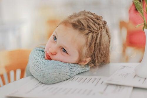 Queste pettinature vanno bene anche per bambine con capelli corti.