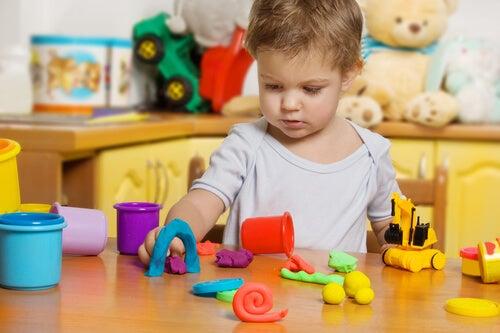 Benefici della plastilina per i bambini