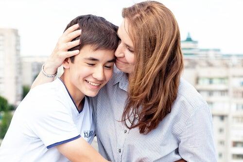 Tra i vantaggi dell'essere madre c'è quello di imparare veramente cosa significa amare qualcuno in maniera condizionata