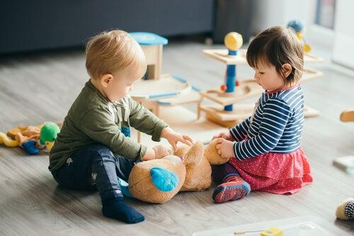 Gli asili risvegliano la creatività dei bambini, grazie a un gran numero di giochi e attività