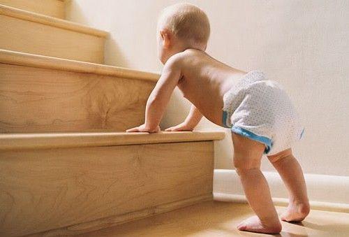 Le scale rappresentano uno dei pericoli più comuni per i bambini