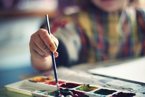 Dipingere e disegnare sono un ottimo mezzo per sviluppare i talenti innati