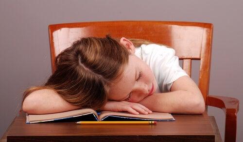 Dormire tardi provoca maggiori disturbi