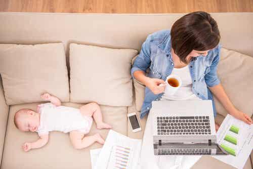 Il congedo parentale: come funziona in Italia