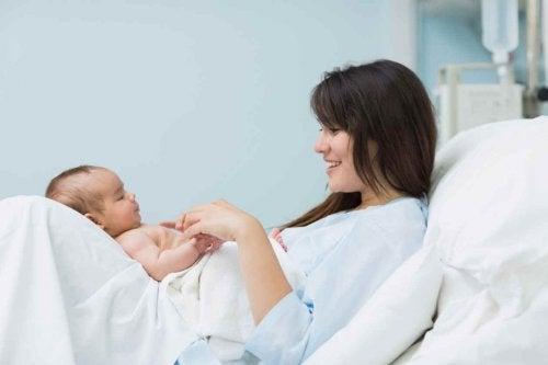 La magia del parto, quando la madre vede il figlio per la prima volta