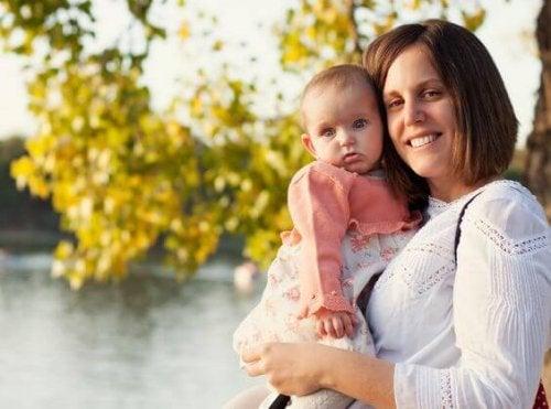 Uno dei falsi miti sulla maternità riguarda l'istinto materno