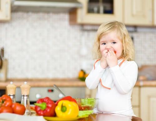 Le neofobia alimentare riguarda un alimento, non un gruppo di alimenti.