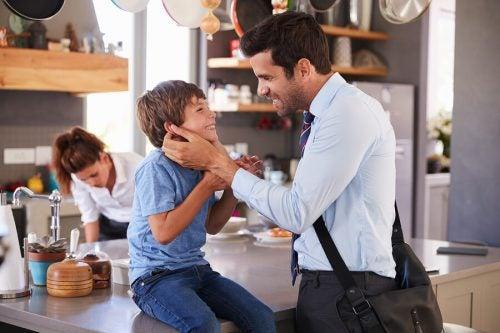 Salutare prima di andar via: perché i genitori devono farlo