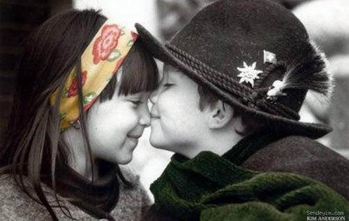 Anche se i bambini non sono davvero innamorati, non bisogna minimizzare le loro emozioni