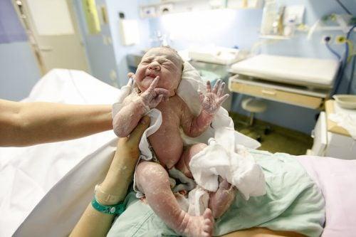 Cordone ombelicale attorcigliato al collo del bebè