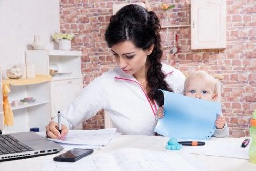 Organizzazione e disciplina sono elementi chiave per poter essere madre e studiare allo stesso tempo