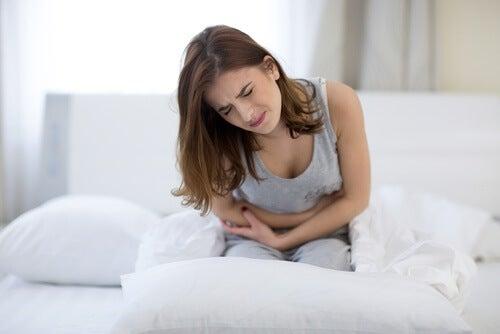 Uno dei sintomi della sindrome di Asherma è dolore durante il periodo mestruale