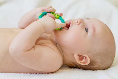 Dolore alle gengive nei bebè