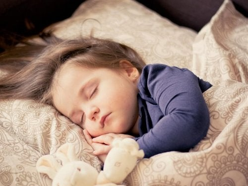 Uno dei benefici del riposino per i bambini è il potenziamento della memoria