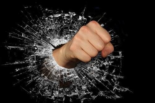 Spesso, la mancanza di rispetto porta alla violenza fisica e verbale