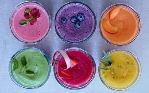 7 succhi di frutta ricchi di vitamine per bambini