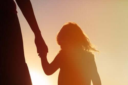 Una mente piena di ricordi è il cammino verso la felicità di vostro figlio