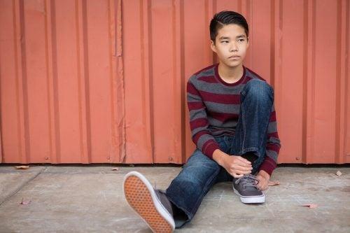 6 problemi dovuti a una bassa autostima negli adolescenti