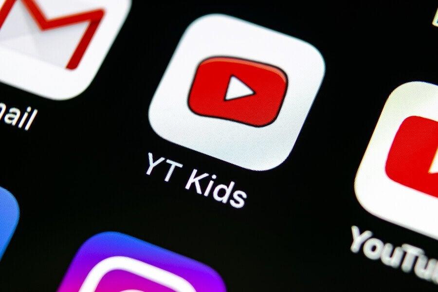 L'accesso ai social network rappresenta una seria minaccia per la sicurezza dei bambini