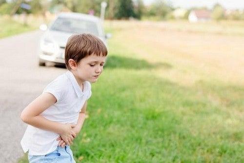 Come evitare che il bambino soffra il mal d'auto durante i viaggi?