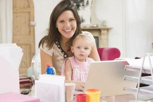 Sono le primipare le madri che cercano più informazioni su Internet