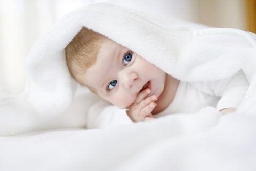 Come capire se il neonato vede bene?