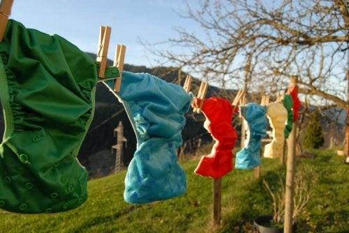 I pannolini di stoffa possono essere lavati e venire riutilizzati più e più volte