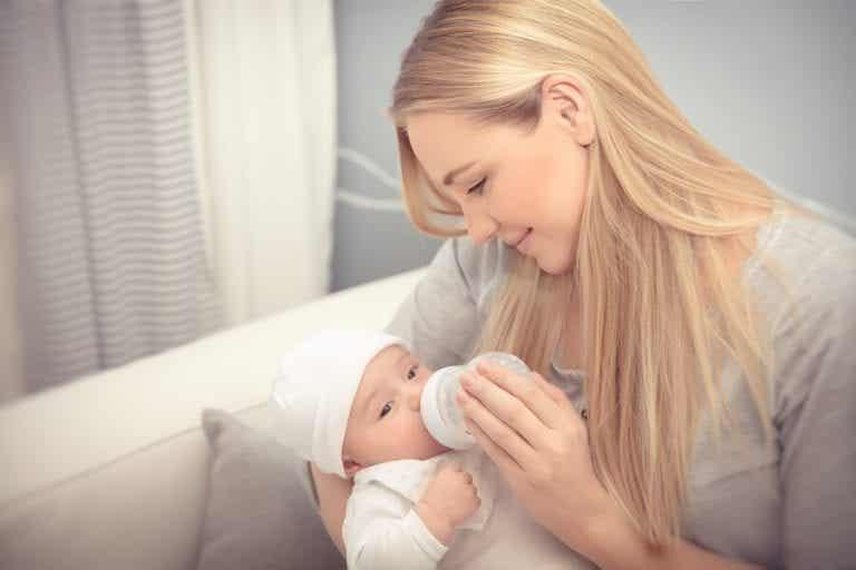 Qual è la quantità di latte che deve assumere il neonato?