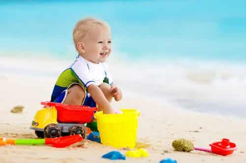 5 consigli per andare in spiaggia con un neonato