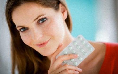 L'acido folico è una delle vitamine da assumere in gravidanza e ha un ruolo fondamentale nel corretto sviluppo del bambino.