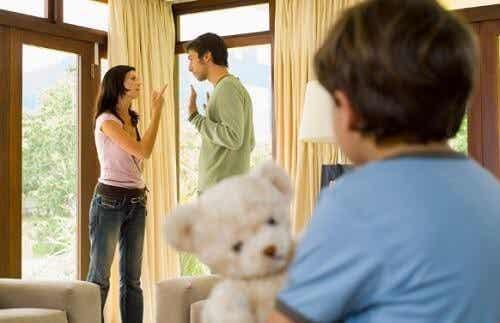 Relazione di coppia, come influisce sui vostri figli?