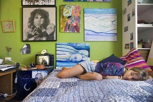 Cosa fare quando l'adolescente si chiude nella sua stanza?