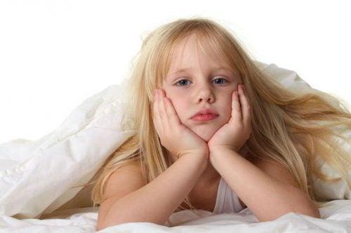 Cosa fare se vostro figlio non si alza per andare a scuola?