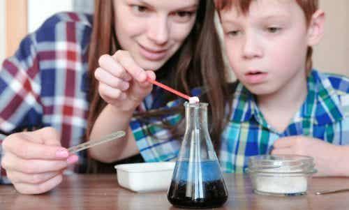 4 esperimenti con l'acqua per bambini