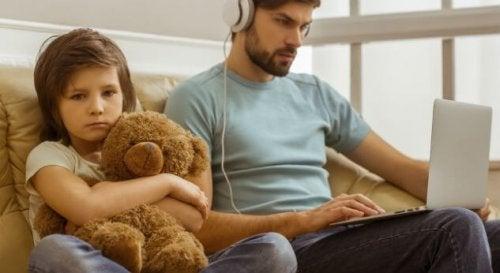 orfano digitale con padre