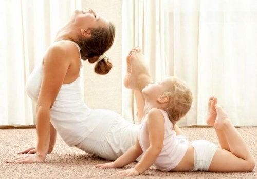 Le madre vogliono colmare il vuoto con i figli
