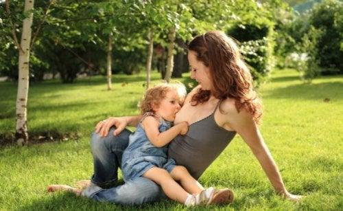 Esistono molti miti dell'allattamento