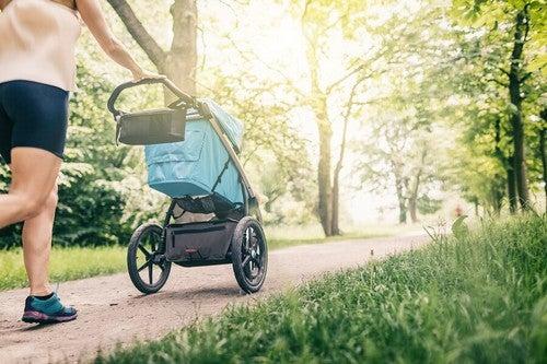 Uscire con il neonato: quando iniziare?
