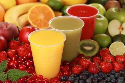 Rischi di dare troppo succo di frutta ai bambini
