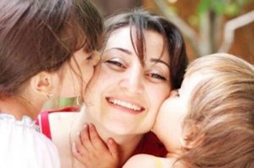Essere madre è trovare la felicità in quella dei figli
