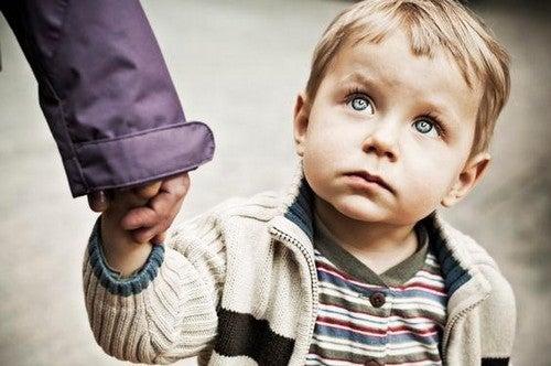 Le parole feriscono: non dite ai vostri figli ciò che non è bello sentirsi dire