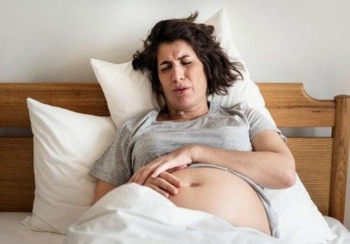Emorroidi durante il parto: perché compaiono e come prevenirle?