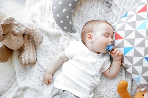 Far dormire un neonato con il metodo Oomba Loomba è facile