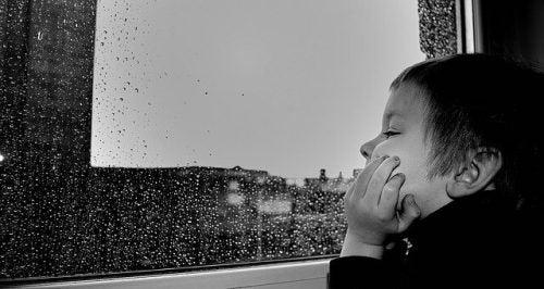 La noia potenzia l'immaginazione dei bambini