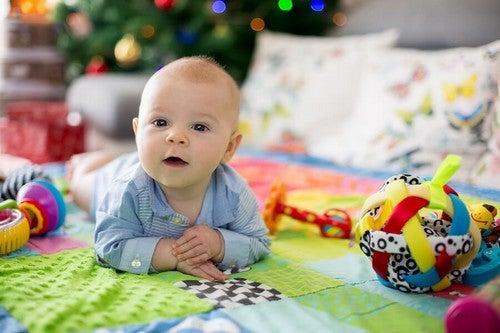 I benefici dei tappeti gioco per i neonati