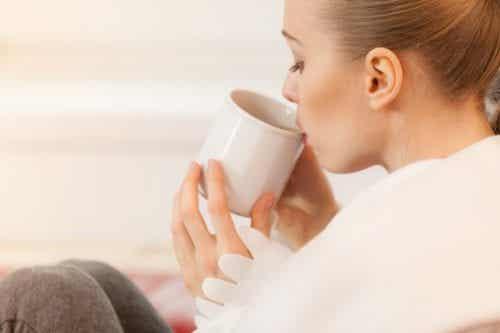 5 tisane benefiche durante l'allattamento