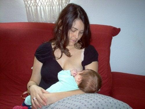 vincere la noia durante l'allattamento è più facile di quanto non si creda
