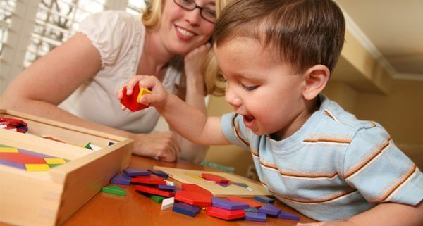 Sono molti i giochi da fare con il bambino per favorire il suo sviluppo