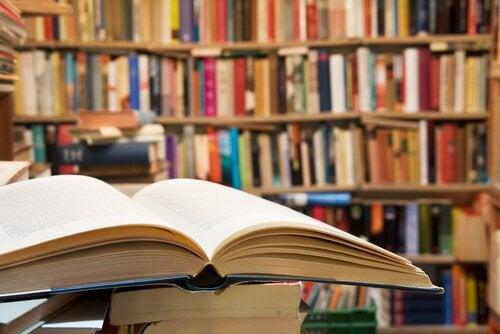 le biblioteche incoraggiano a valorizzare i libri come fonte di conoscenza