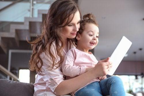 i bambini della Generazione Alpha sono esperti in tecnologia
